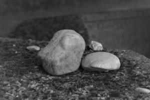 KZ-Friedhof bei Kaufering Steine