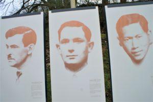 Infotafeln mit den Fotos von 3 ermordeten Widerstandskämpfern in Châteaubriant
