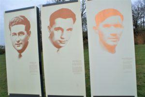 Gedenktafeln für 3 Résistance-Kämpfer im Steinbruch von Châteaubriant