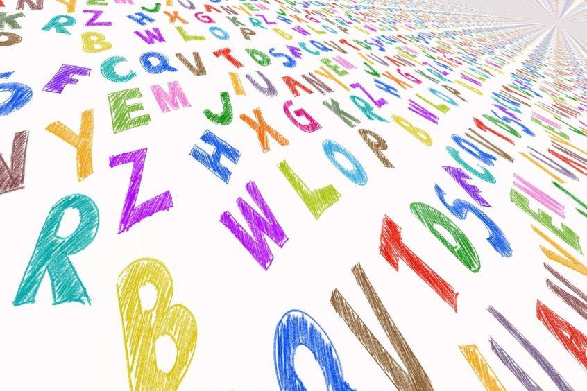 Viele bunte Buchstaben